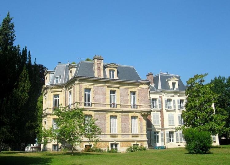 Parc Du Château De La Martinière À Saclay.