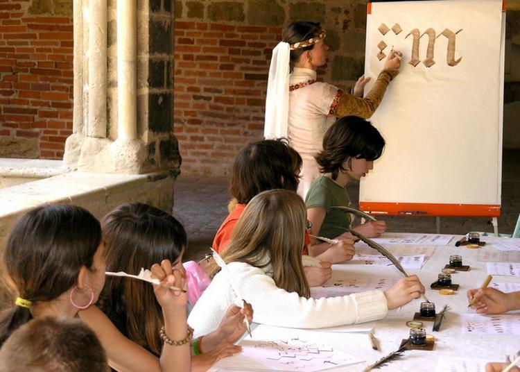 Partageons Le Patrimoine Médiéval ! Jeux Anciens, Calligraphie Gothique, Enluminure à Auch