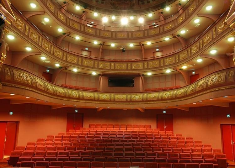 Partez à L'exploration Du Théâtre De La Ville. à Valence
