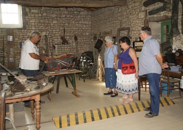 Partez à La Découverte Du Patrimoine Rural Et Ses Anciens Métiers à Puy du Lac