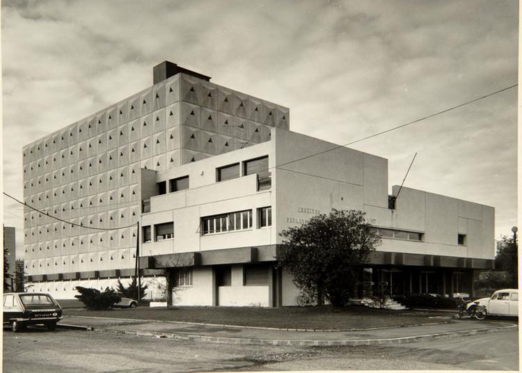 Patrimoine Architectural : Les 50 Ans Du Bâtiment Des Archives Départementales De Pau