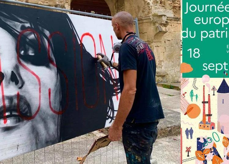 Performance Street Art Par L'artiste Dire à La Tour d'Aigues