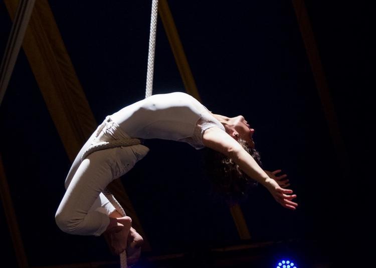 Performance Sur Corde Lisse Je T'aime Toi Non Plus à Le Pin