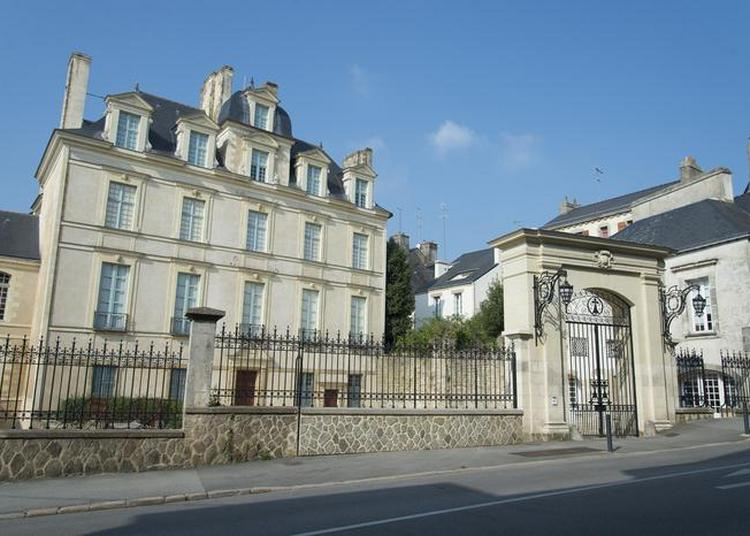 Plein Feu Sur L'hôtel De Limur, Une Découverte De Cet édifice Remarquable. à Vannes