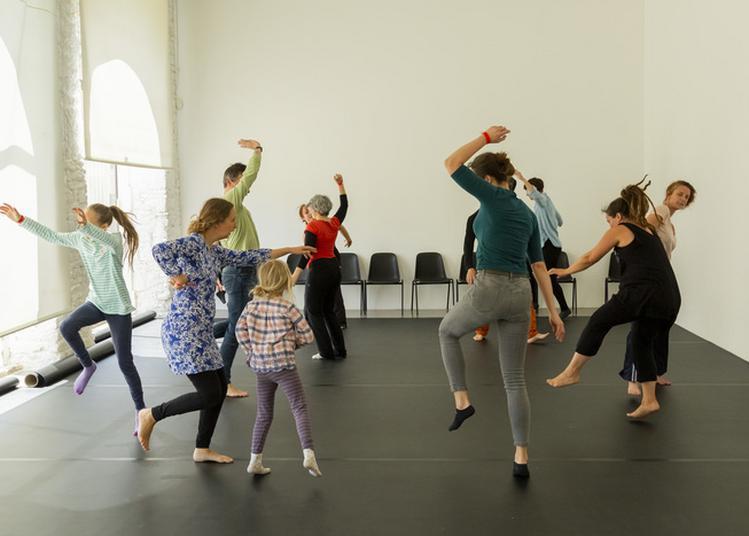 Pratiquer Et Présenter La Danse Hors Des Théâtres à Bignan