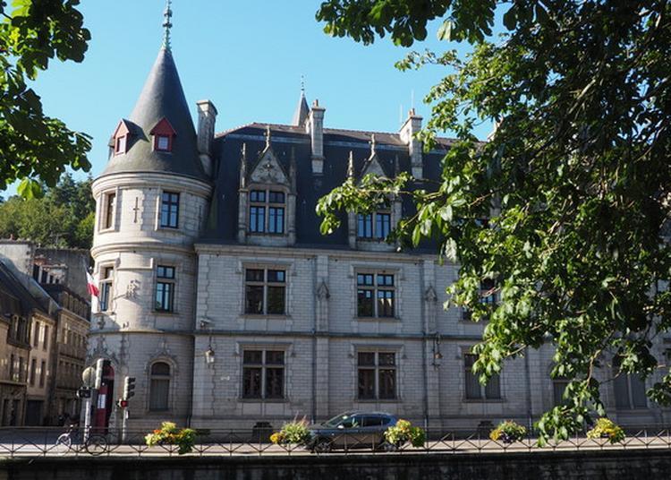 Préfecture Du Finistère : Déambulation Ou Visite Guidée Et Animations Musicales à Quimper