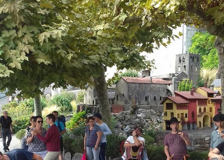 Présentation D'instruments Traditionnels Et Démonstration à Lourdes