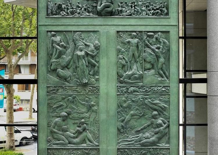 Présentation D'une Oeuvre : Sculpture En Clair, Rendez-vous Avec Asclépios, Le Dieu Grec De La Médecine à Boulogne Billancourt