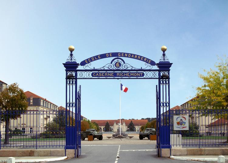 Présentation De L'école De Gendarmerie Et De Ses Activités à Montlucon