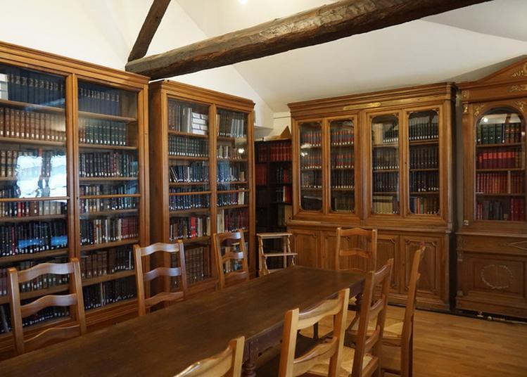 Présentation De La Bibliothèque Des Amis Du Musée à Bourgoin Jallieu