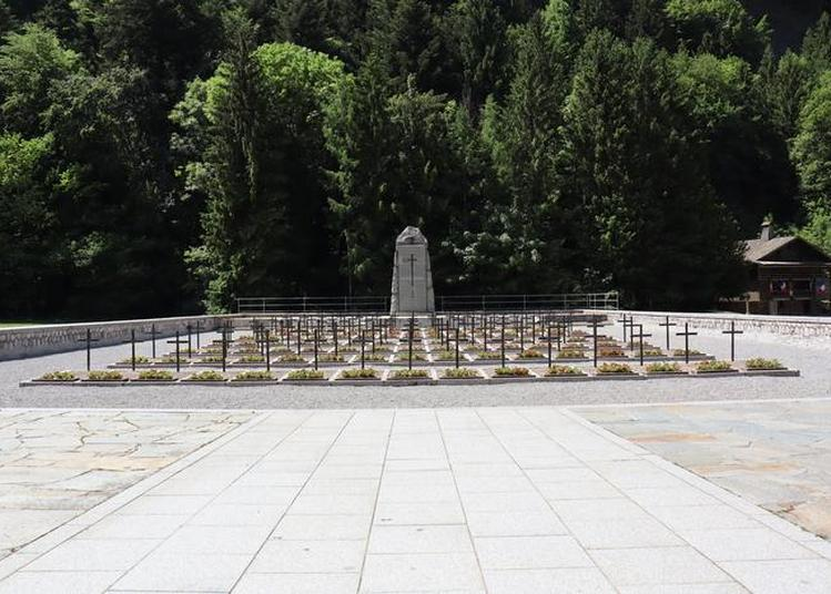 Présentation De La Nécropole Nationale Des Glières à Thones