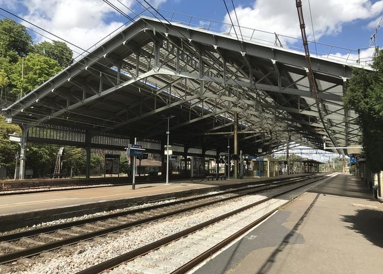 Présentation De La Valeur Patrimoniale De La Grande Halle Voyageur De La Gare D'etampes Et Des Métiers Sncf Pour Sa Maintenance à Etampes