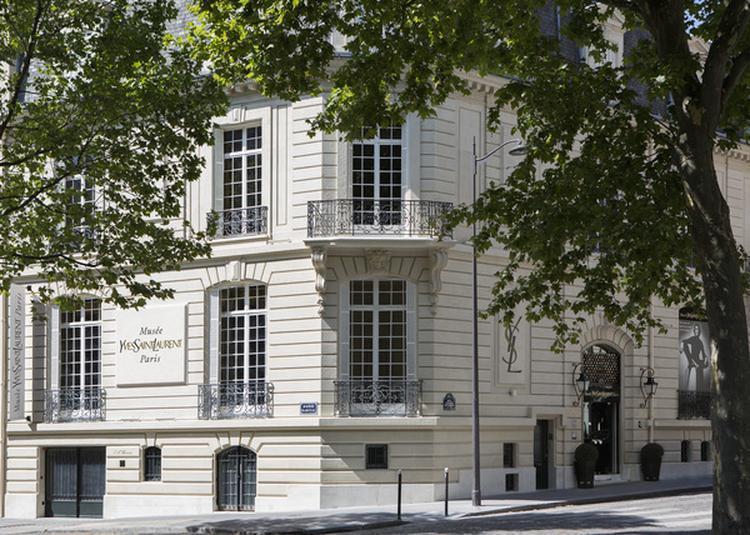 Présentation De Pièces Exceptionnelles à Paris