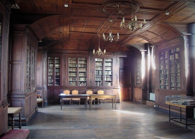 Présentation Guidée Du Patrimoine Du Lycée La Bibliothèque Historique à Auxerre
