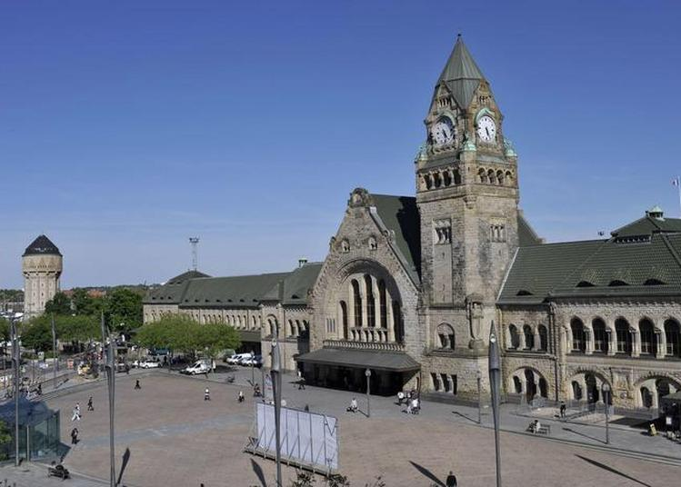 Projection Des Grandes Dates De La Gare à Metz