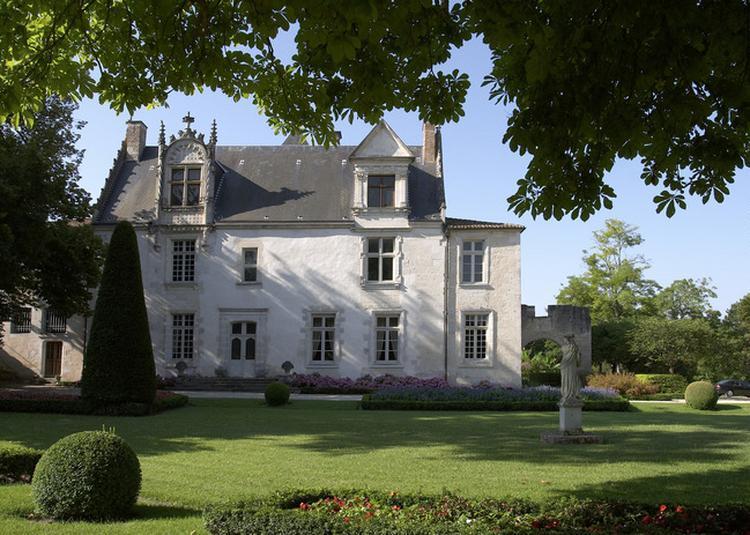Promenade Autonome Au Château De Beaulon à Saint Dizant du Gua