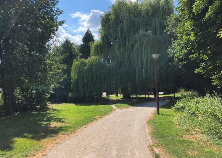 Promenade Des Viennes Recouvertes à Troyes