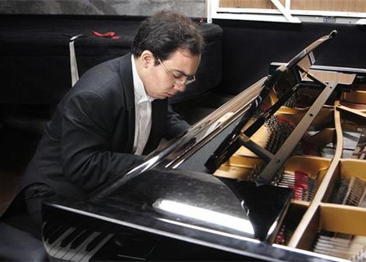 Récital Du Pianiste Jean Dubé à Paris 16ème