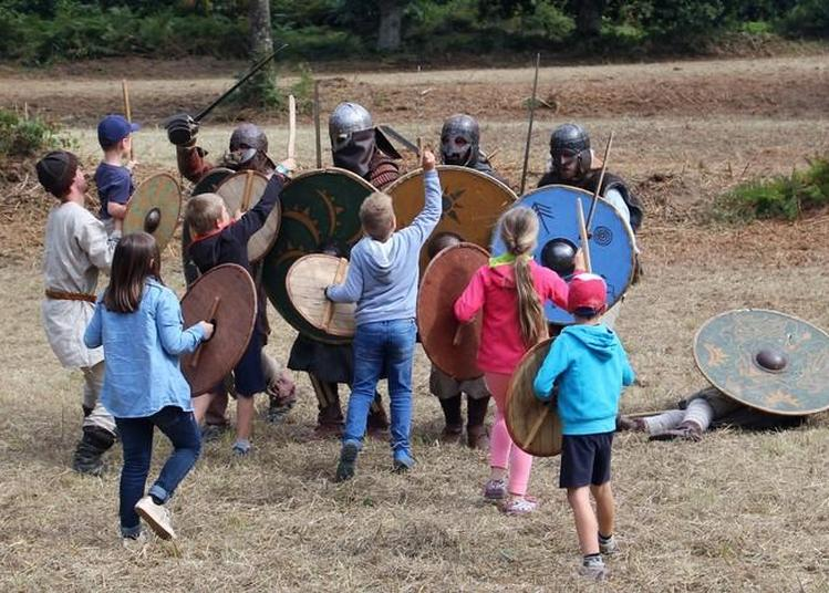 Reconstitution D'un Camp De Raid Viking à Pledran