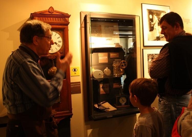 Rencontre Au Musée De L'horlogerie Avec Les Membres De L'association à Saint Nicolas d'Aliermont