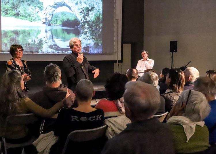 Rencontre Avec Le Service De Conservation Et Les Inventeurs De La Grotte Chauvet. à Vallon Pont d'Arc