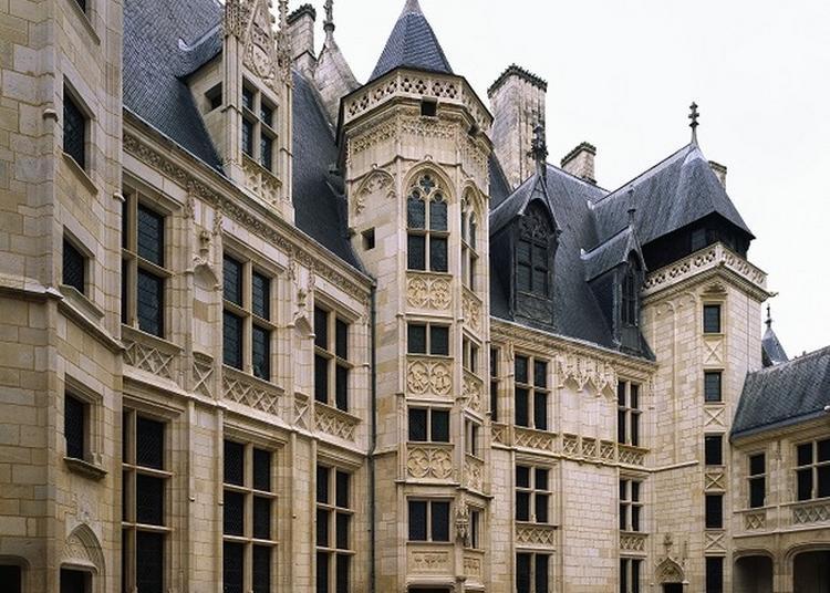 Rencontrez Une Figure Emblématique Du Moyen Âge à Bourges