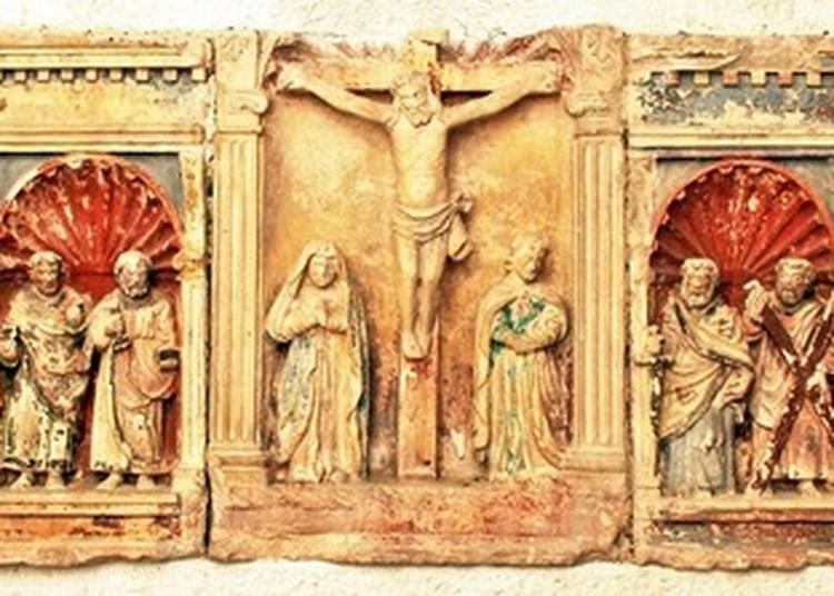 Retable Aux Douze Apôtres Et Demi-reliefs De La Vie Du Christ à Montsaon
