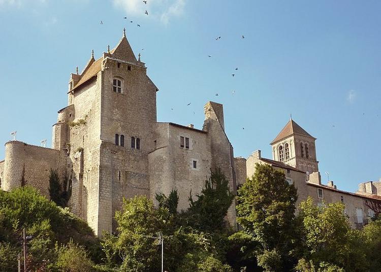 Retournez à L'époque Médiévale Et Découvrez Le Château D'un Grand Seigneur ! à Chauvigny