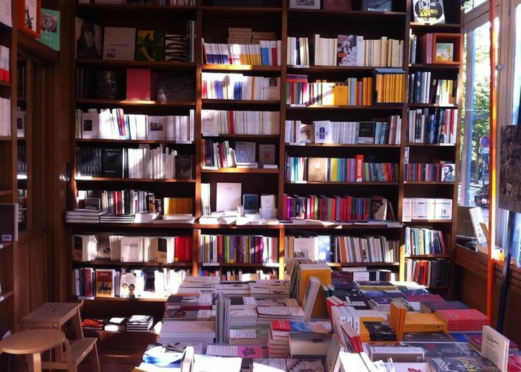 Rien De Commun - Visite D'une Librairie à Paris 6ème