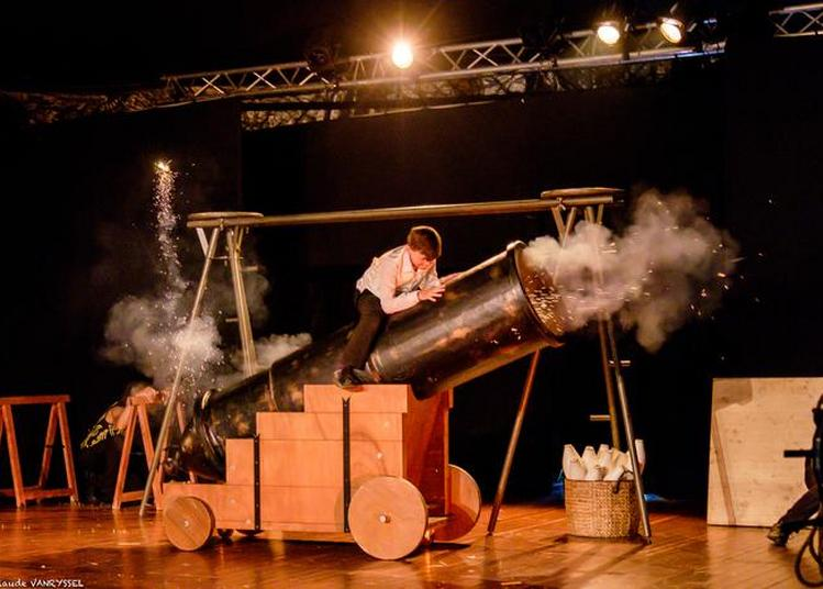 Spectacle Boom Par La Compagnie A Balles Et Bulles à L'Isle d'Abeau