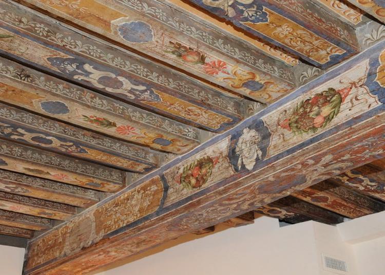 Spectacle De Danseurs Caribéens Sous Les Plafonds Peints De La Maison Richelieu à Bagneux