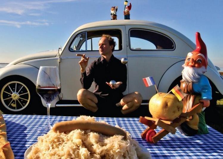 Spectacle De Rue « French Touch Made In Germany » Par L'artiste Immo à Villeneuve d'Ascq