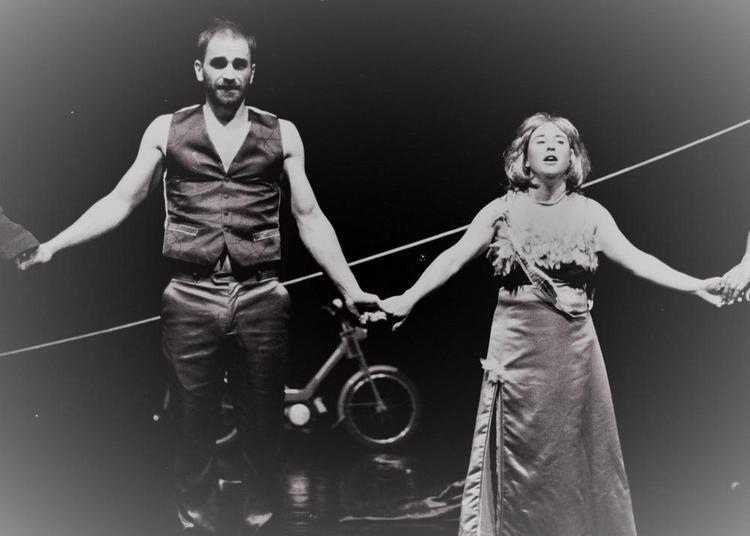 Stéril Strip / Apéro cirque à Dijon