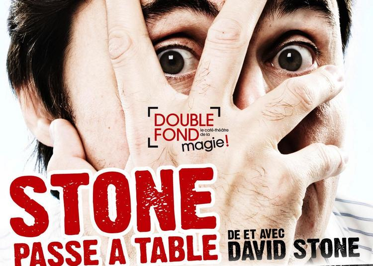 Stone Passe À Table à Paris 4ème