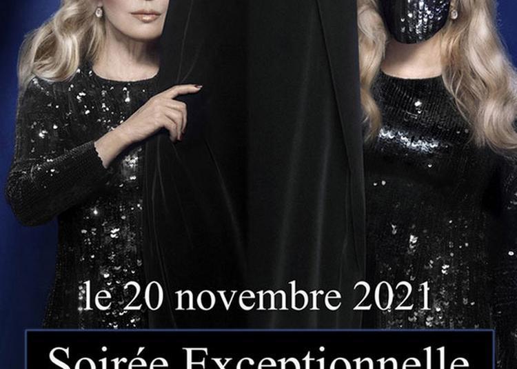Sylvie Vartan à Paris 8ème