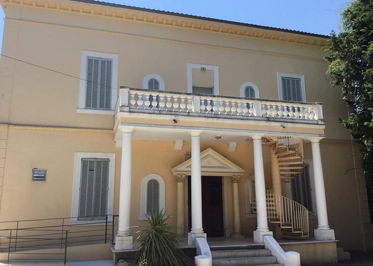 Temple Maçonnique Du Grand Orient De France à Cannes