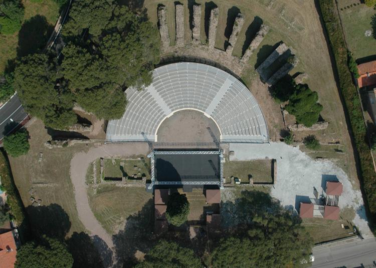 Visite au Théâtre Romain à Frejus