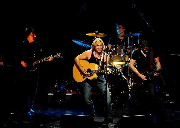Thierry Atruz en concert avec les musiciens qui ont accompagnés Johnny Hallyday et Les vieilles Canailles à Paris 12ème