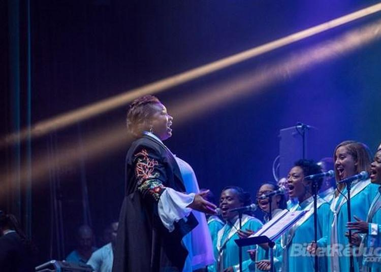 Total Praise Mass Choir à Le Plessis Trevise