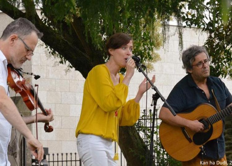 Trio « Kan ha Dudi » à Le Relecq Kerhuon