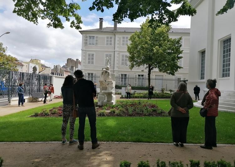 Un Chantier Pas Comme Les Autres, La Fontaine Aux Enfants : Rencontre Avec Le Restauratrice Sophie-jeanne Vidal à Pau