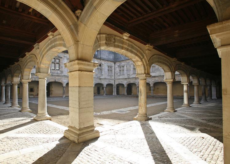 Un Grand Roi : Catherine De Médicis, Première Femme Chef D'état En France à Besancon