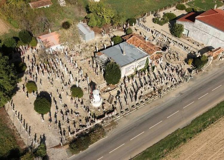 Un Jardin Peuplé De Statues : L'oeuvre D'une Vie ! à Nantille