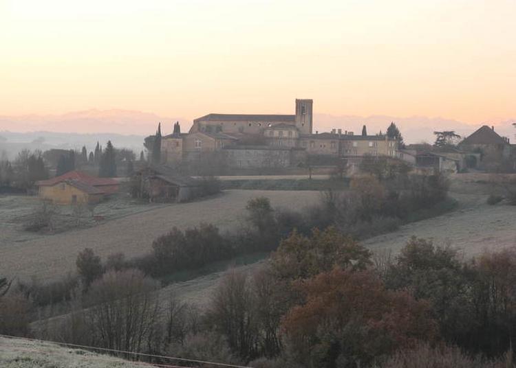 Une Abbaye Cistercienne Au Coeur Du Gers à Boulaur