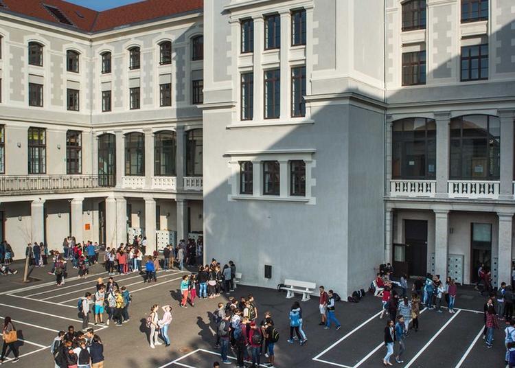 Une Architecture Républicaine Du Xixe Siècle Au Service De L'école Publique D'aujourd'hui à Lyon