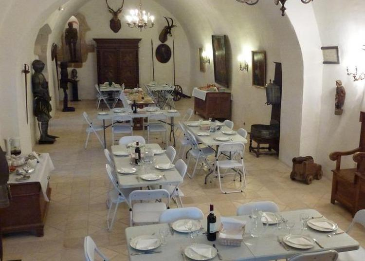 Une Cuisine Historique Dans Un Lieu Historique à Saint Projet