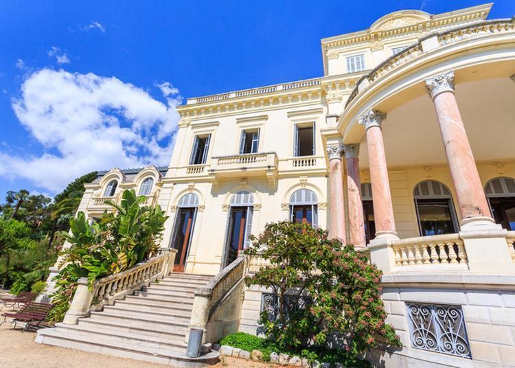 Villa Rothschild Et Jardins / Médiatheque Noailles à Cannes