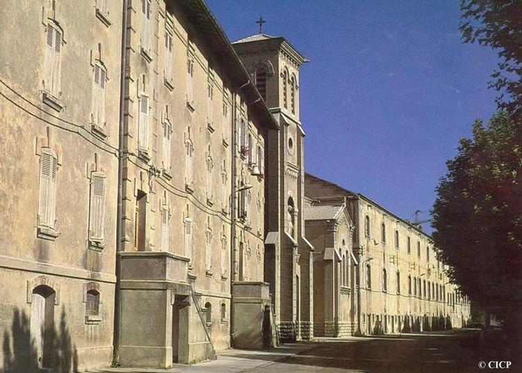 Visite Commentée De L'ancienne Cité Ouvrière Lafarge. à Viviers