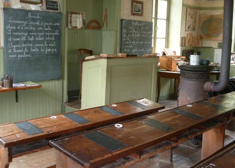Visite Commentée De L'école-musée De Champagny