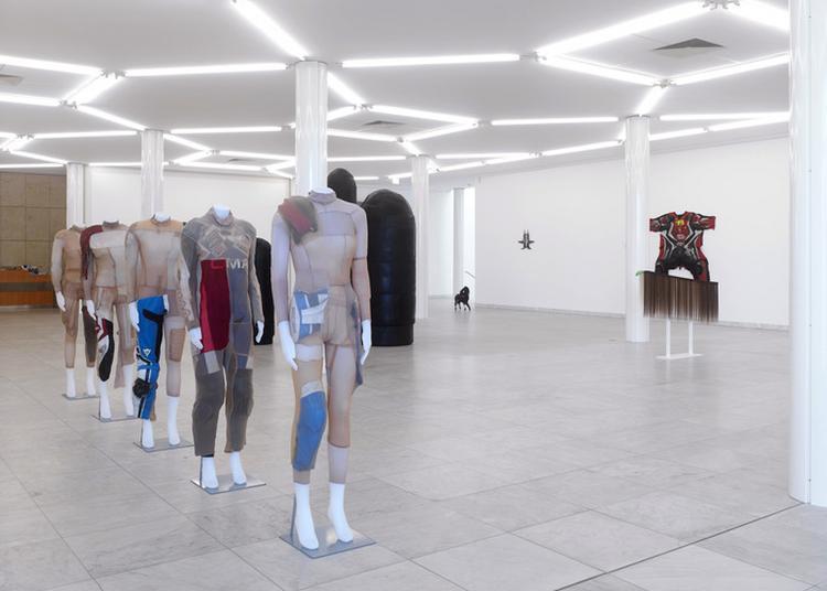 Visite Commentée De L'exposition Stretch D'alexandra Bircken à Ivry sur Seine